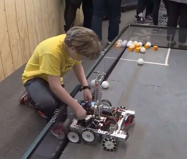 Michigan School Opens Robotics Center