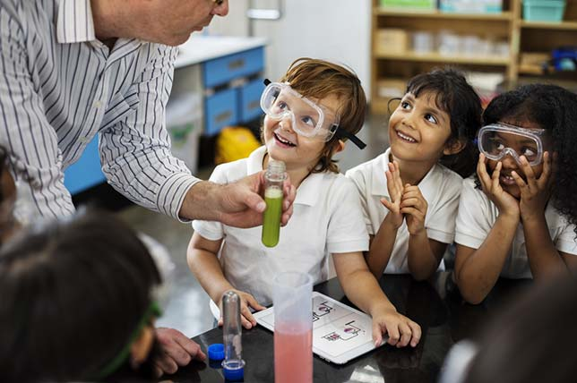 California Close to Adoption of New Curriculum for NGSS