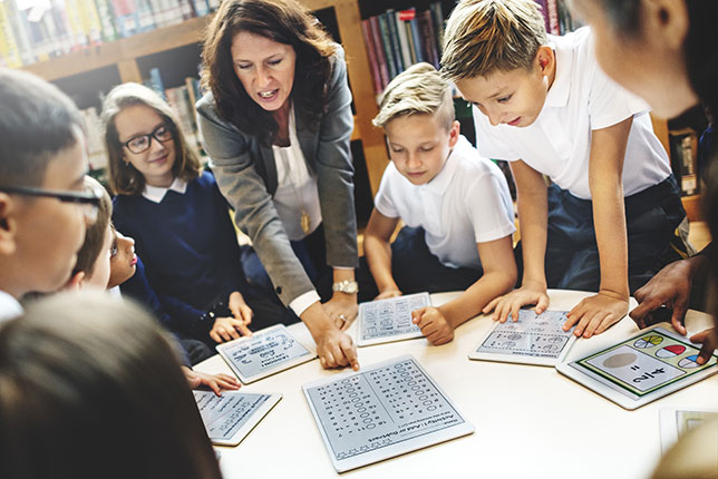choosing the right device for your school. Image by Shutterstock.